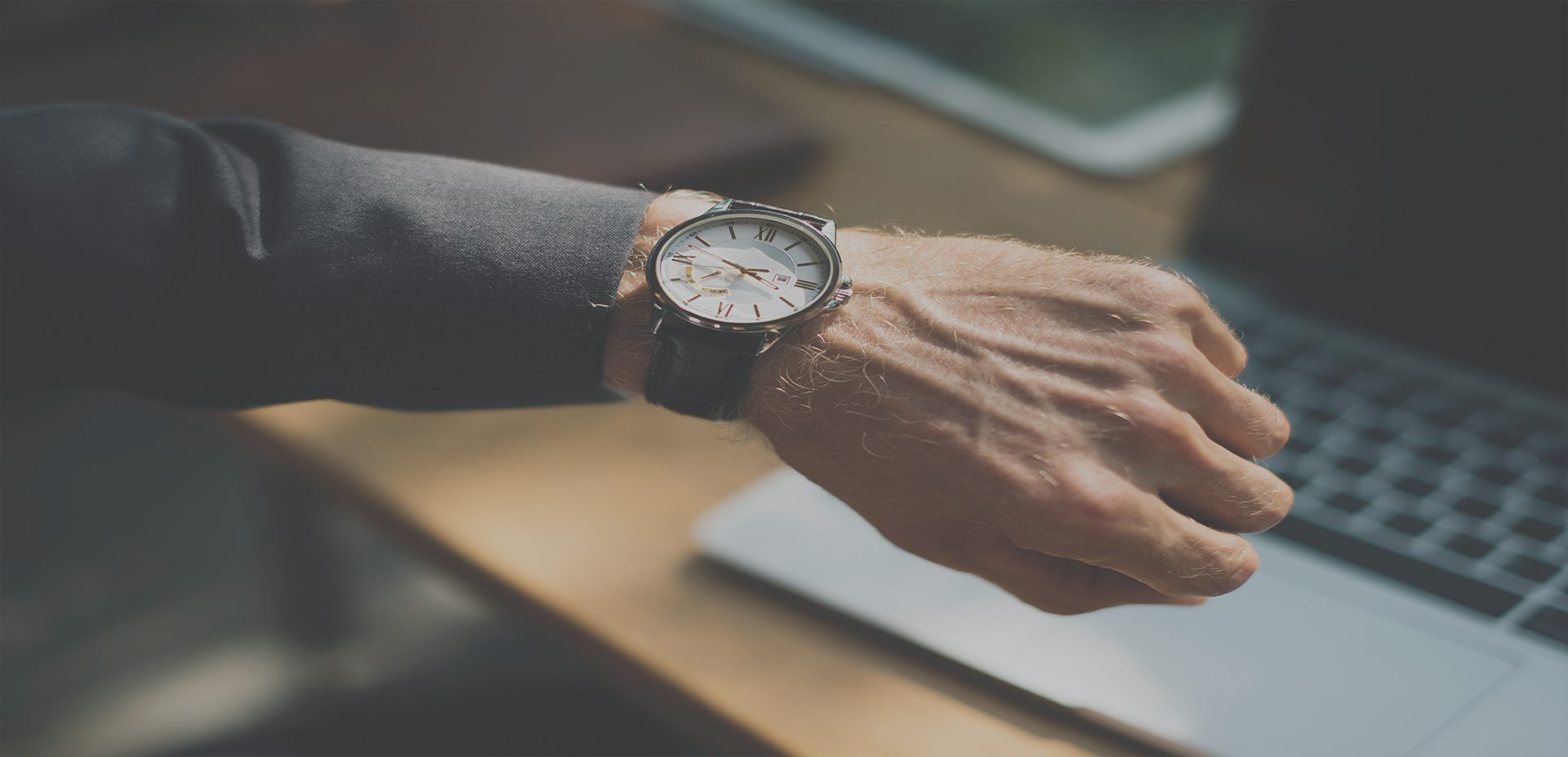 ¿Cuánto tiempo le dedica a su Empresa o Negocio?
